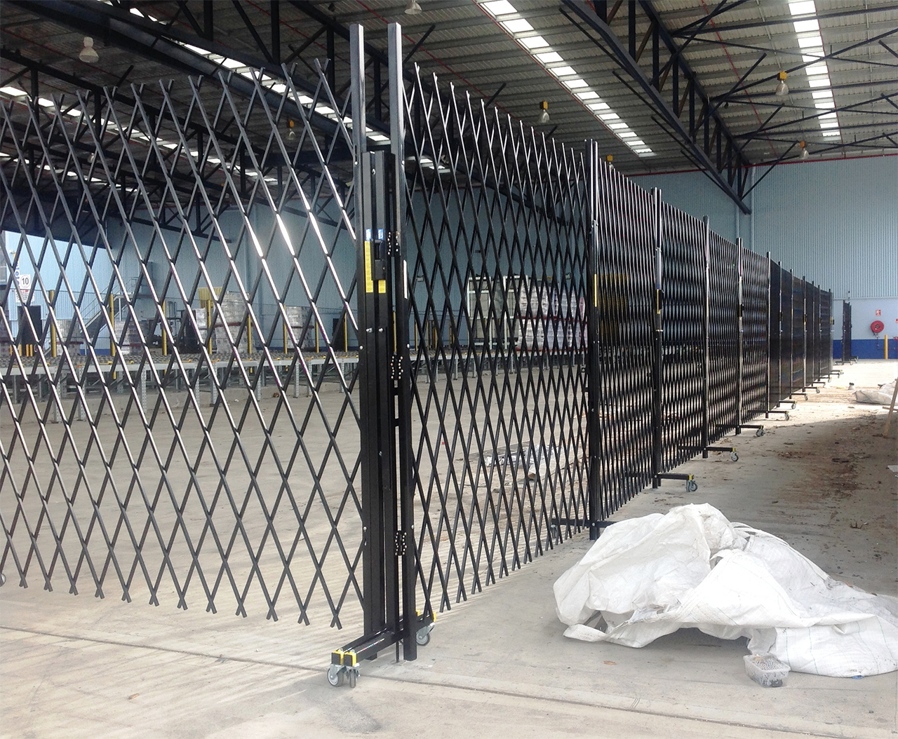 Mobile Trackless Security Temporary Fencing For Hire