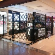 S04-1™ Duty Free Kiosk Dior