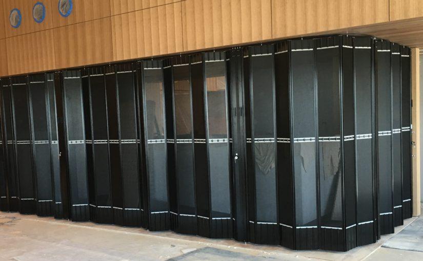 STYLISH BAR CLOSURE DOORS SECURE CRUISING YACHT CLUB MEMBERS BAR COUNTER TOP