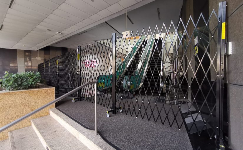 Aussie Folding Barricades used to Guide Public to Singapore's Coronavirus Screening Stations