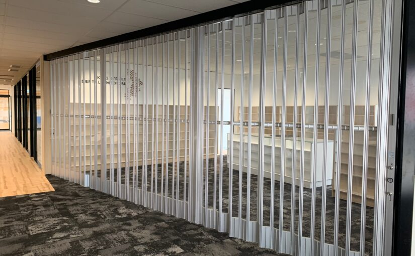 Folding doors for office fitouts, office lobby areas, entrance doors, reception areas, counter tops and partitioning
