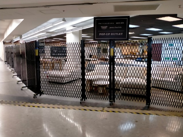 HEAVY DUTY COMMERCIAL PORTABLE BARRIER SYSTEM – A POINT OF DIFFERENCE